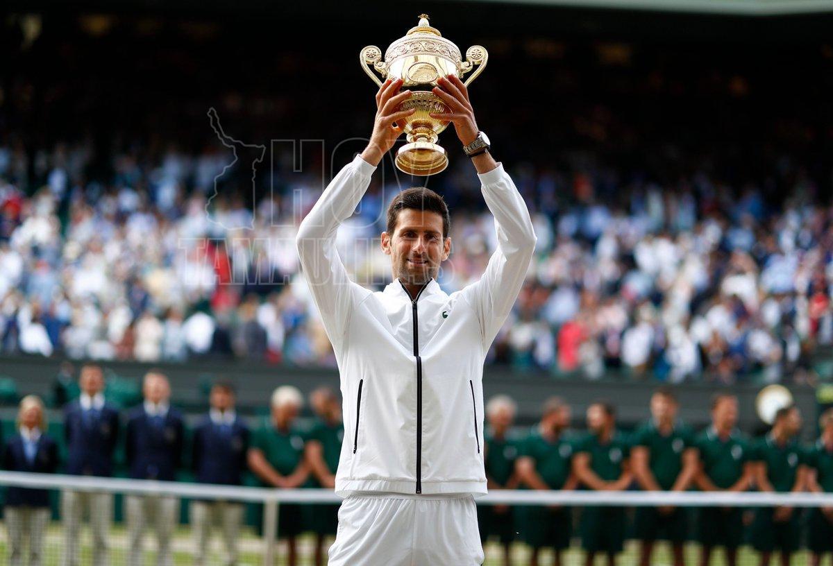Djokovic vence a Federer y defiende el título de Wimbledon