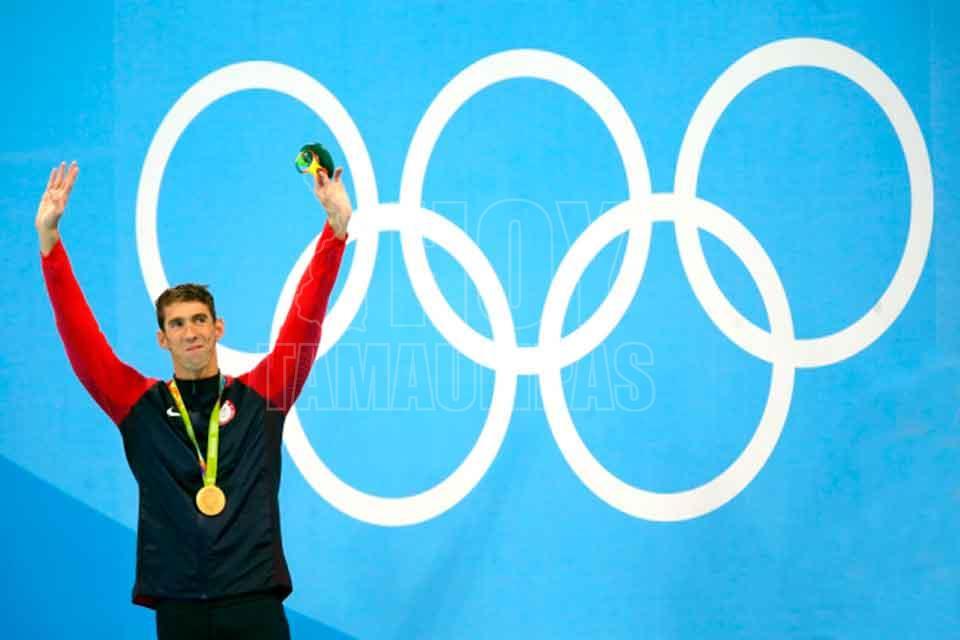 Phelps hace historia en el 200 estilos con su cuarto triunfo consecutivo