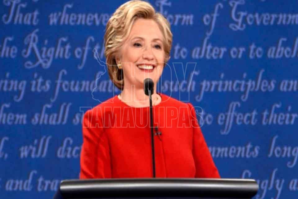 Trump sugiere que Hillary Clinton fue drogada al debate televisado