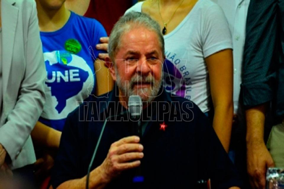 Campesinos de Porto Alegre marchan en apoyo a Lula da Silva — Brasil