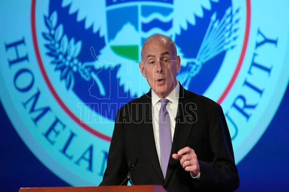 Recorren Kelly y Sessions la frontera de El Paso