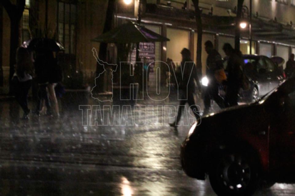 Temperaturas arriba de los 40 grados acompañados de lluvias dispersas en Michoacán