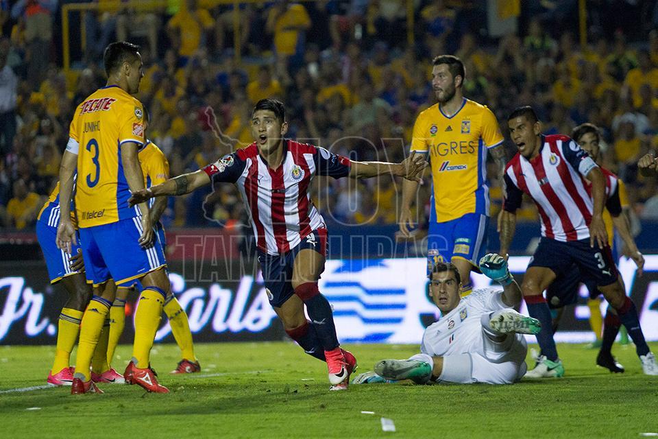 Alan Pulido, el mejor jugador del Clausura 2017 de la Liga MX