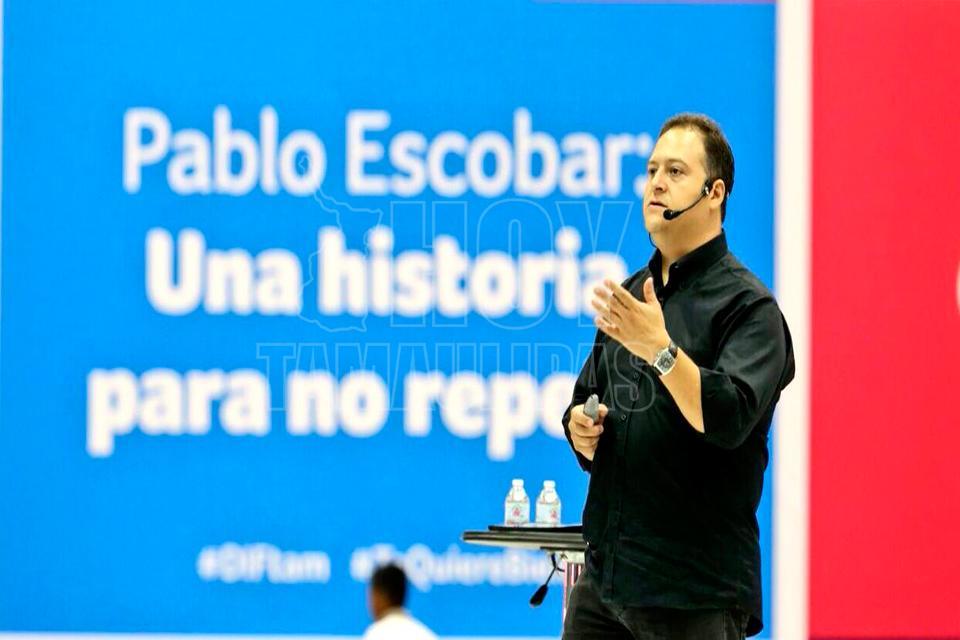 Hijo de Pablo Escobar ofrece conferencia en Victoria