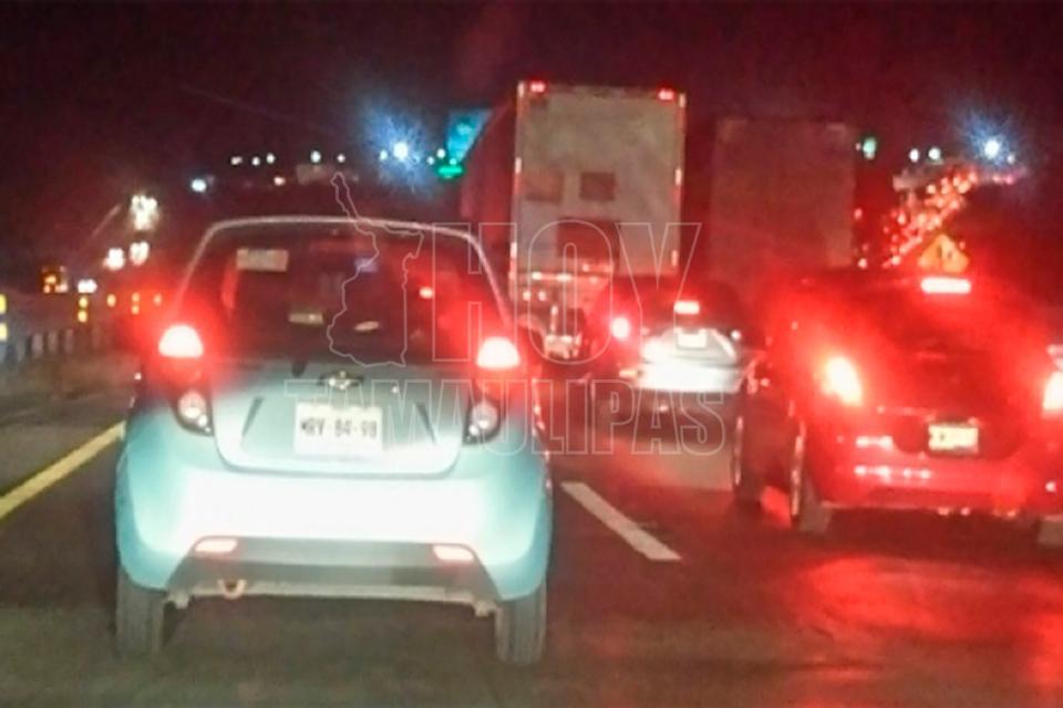 Fuga de gas provoca cierre de autopista México-Querétaro