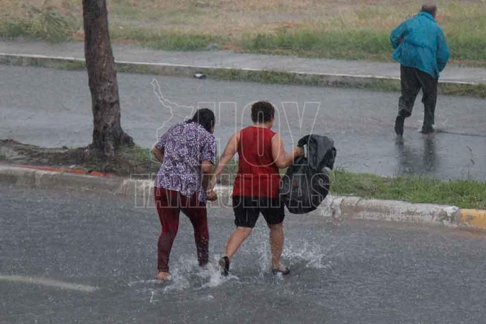 Suspenden clases en Sinaloa y Sonora por Lidia