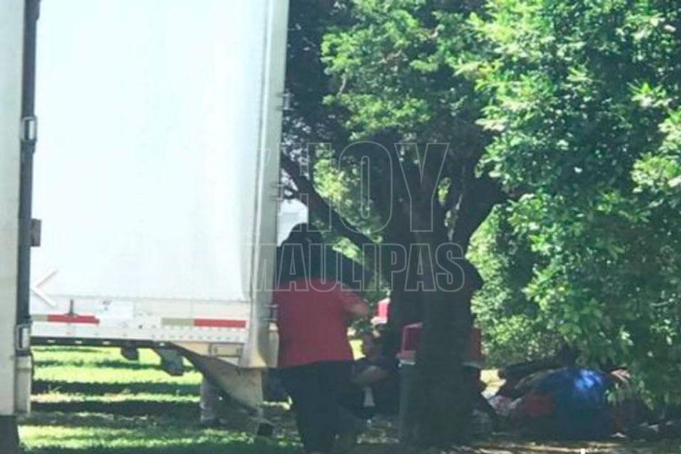 Encuentran 17 inmigrantes en contenedor de camión en Texas
