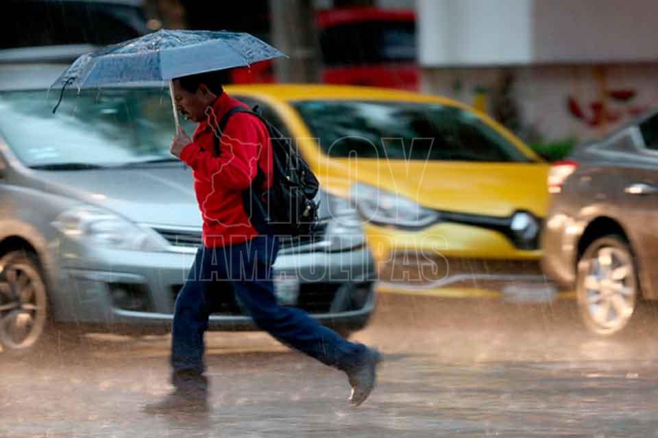 Alerta la Conagua por torbellinos y tormentas en Coahuila