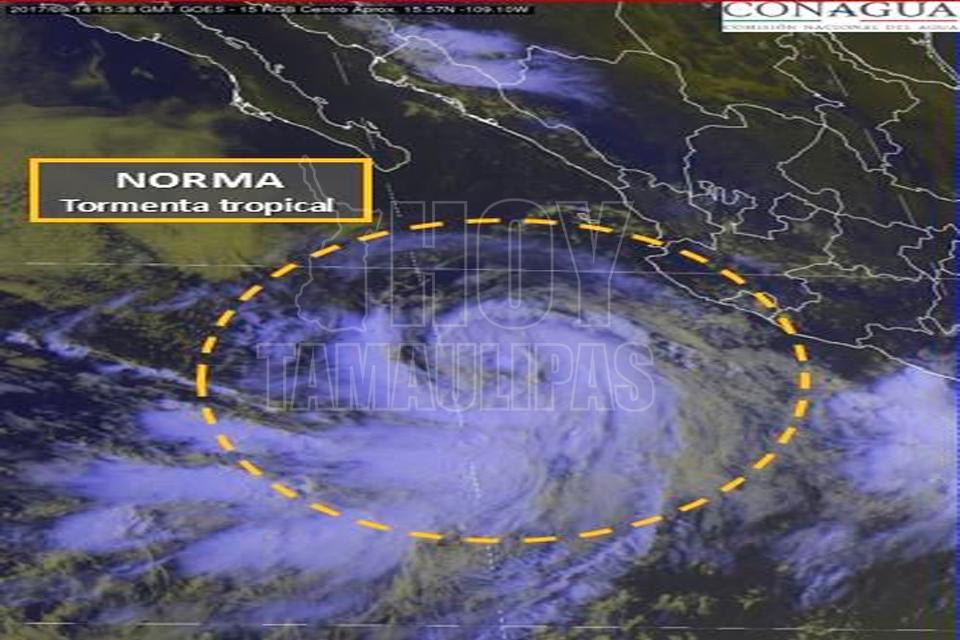 'Norma' se convierte en huracán y avanza a Baja California Sur
