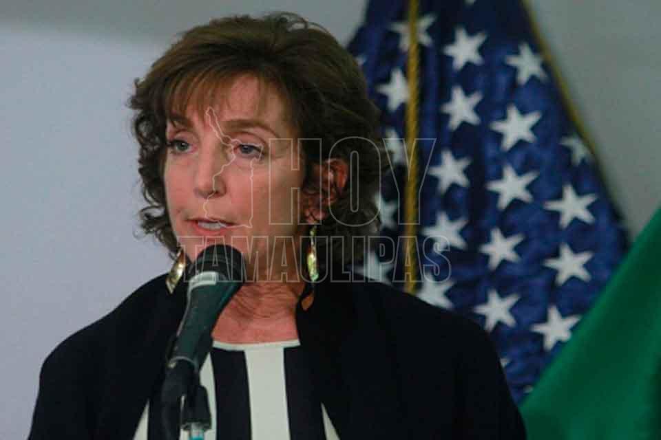 Dona embajadora Jacobson 100 mil dólares a víctimas del sismo