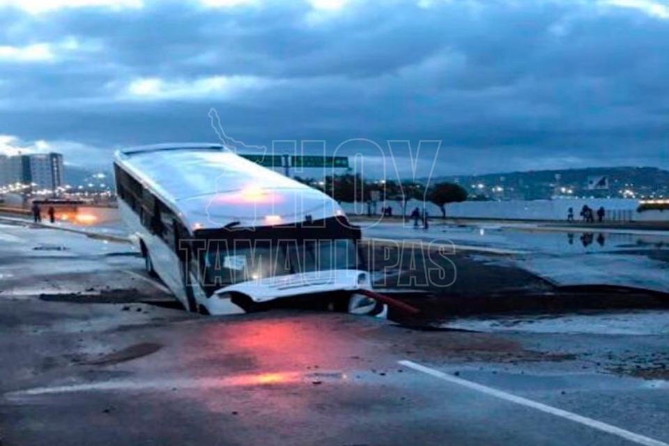 Muere una persona en Querétaro por lluvias de anoche; aparecen socavones