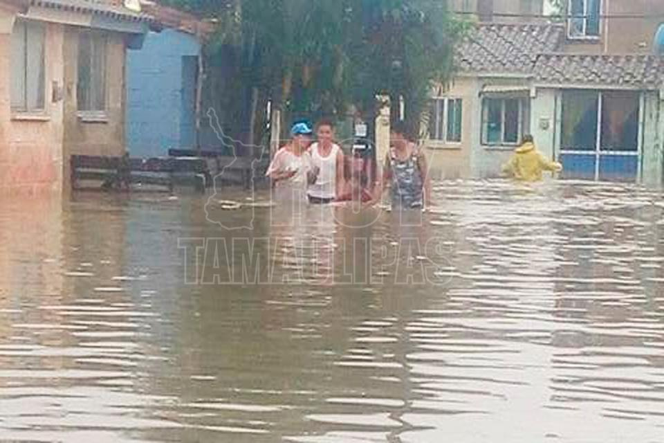 Activan plan de emergencia por inundaciones en Tamaulipas