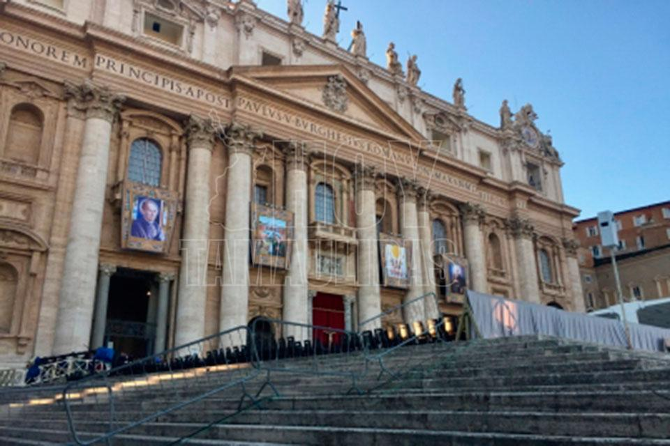 Papa Francisco busca santos 'de clase media' cercanos a los pobres