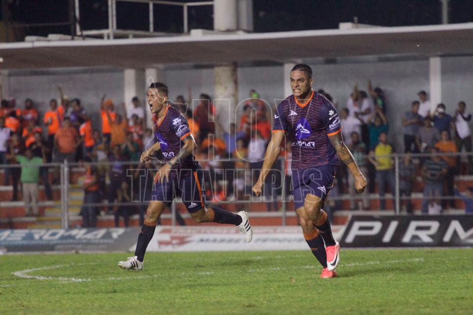 Correcaminos golea 4-0 a Dorados