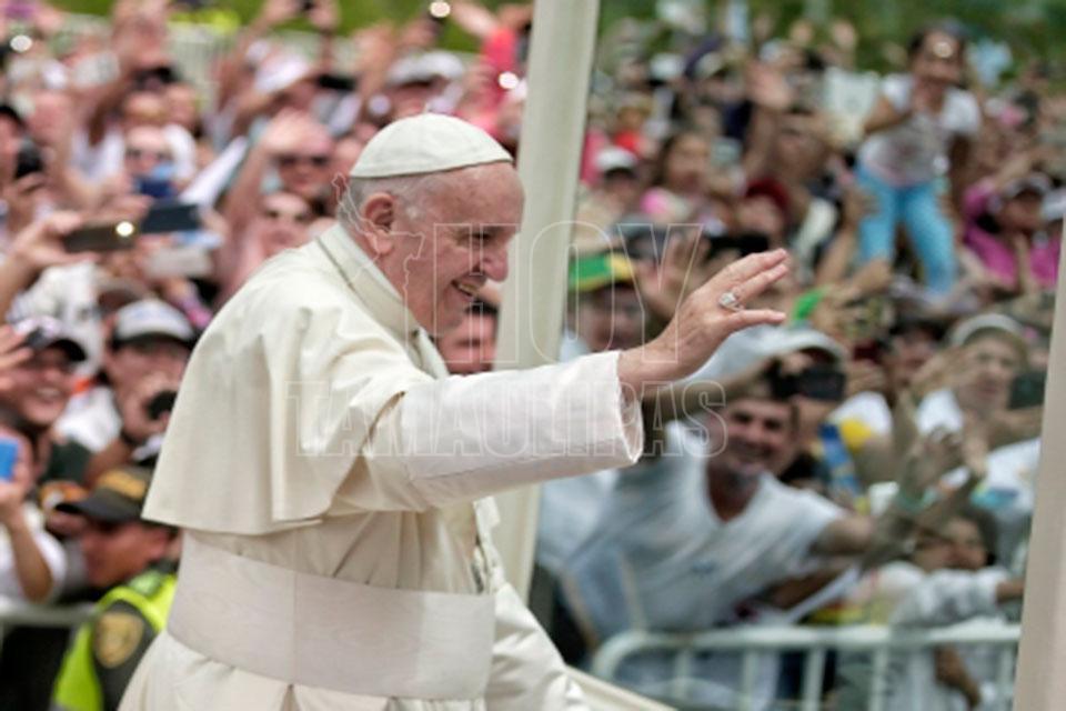 Chile: incendian iglesias y envían amenazas ante llegada del Papa Francisco