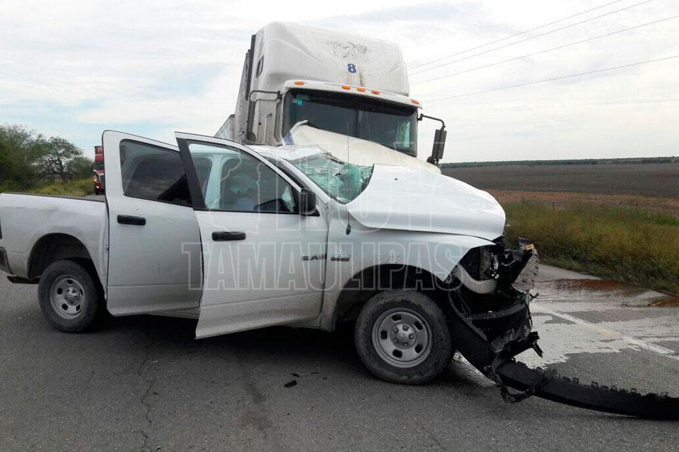 Pierden la vida tres policías tras brutal accidente en Tamaulipas