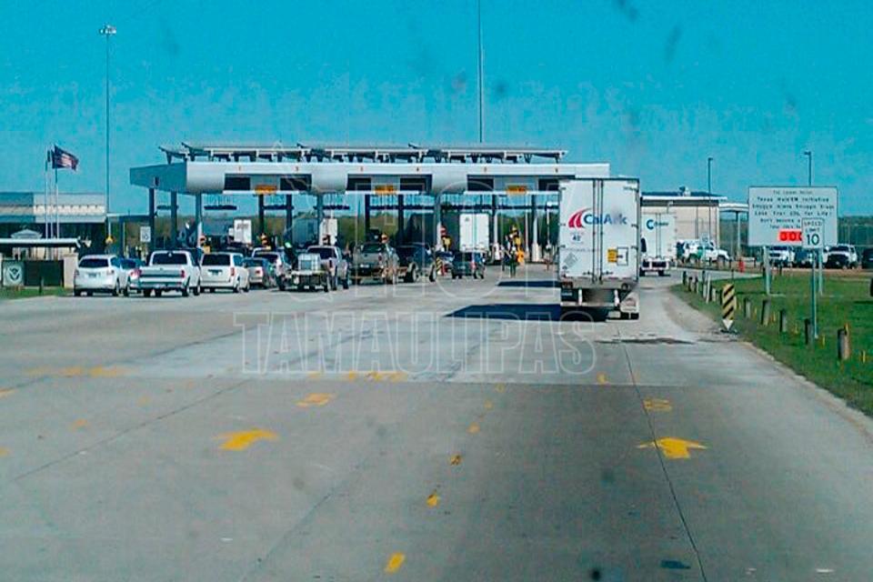 Encuentran 44 migrantes en Texas