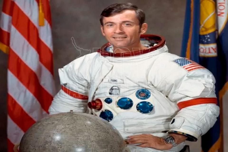 Falleció John Young, uno de los hombres que caminó por la luna