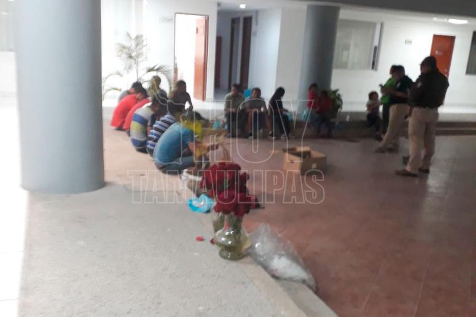 Aseguran 21 indocumentados y detienen a 4 mexicanos en Tamaulipas