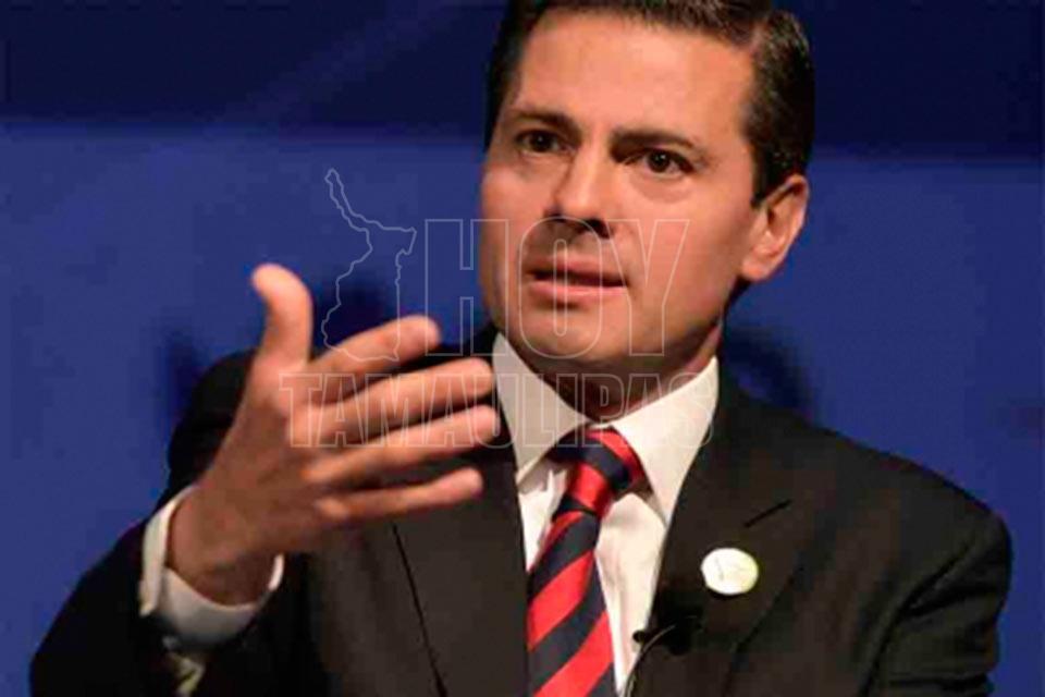 AMLO felicita a Peña Nieto por no interferir en proceso electoral