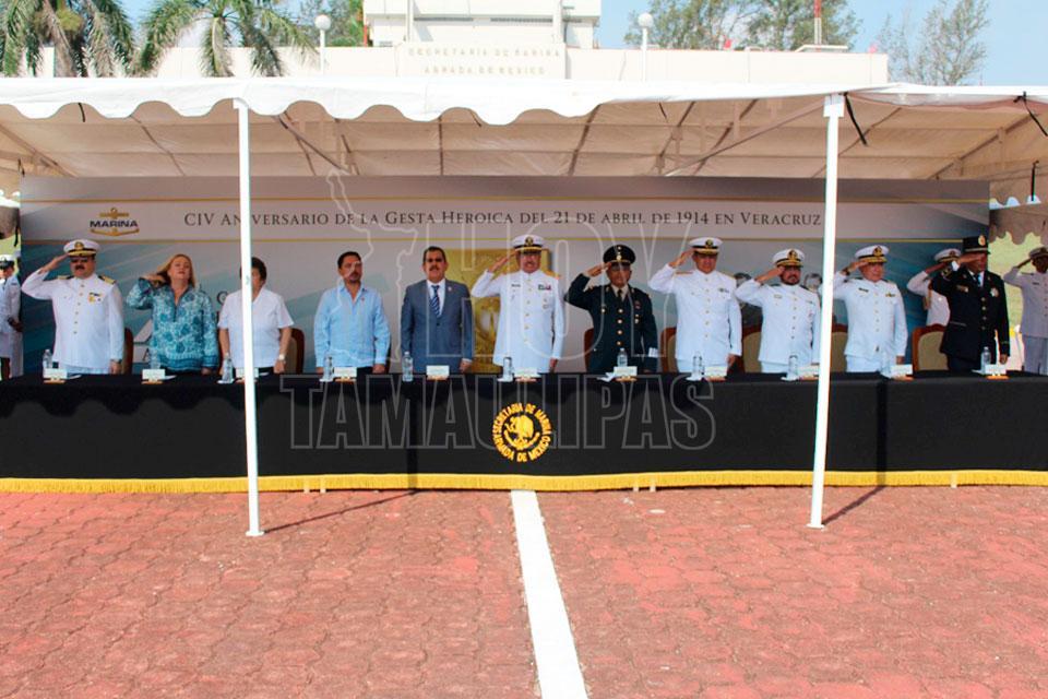 Ceremonia por aniversario de la Heroica Defensa del Puerto de Veracruz