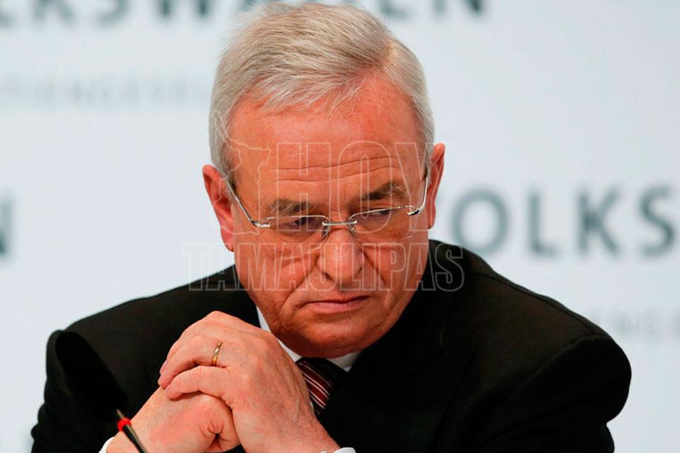 Acusan de fraude a exdirectivo de Volkswagen por escándalo